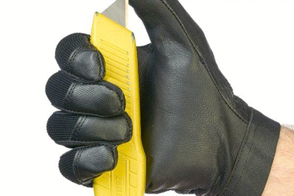 Cut resistant glove