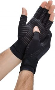 Man wearing gym gloves