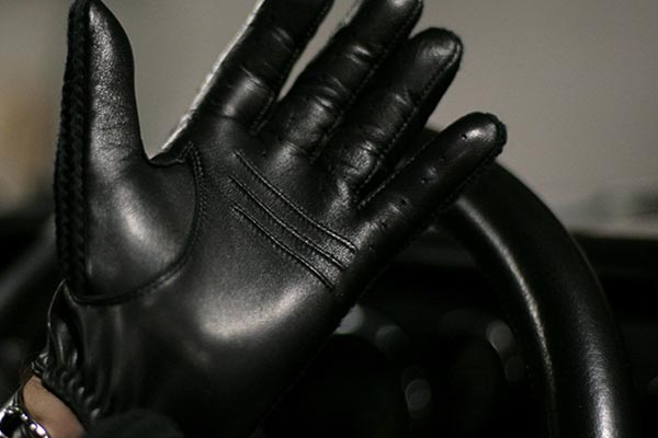 Black and Stylish Leather Driving Glove